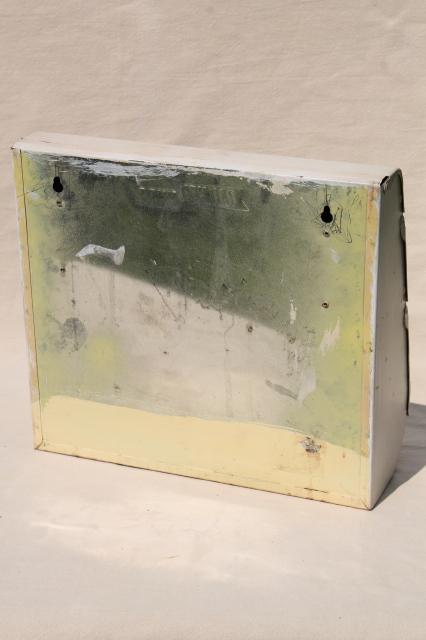 Vintage Kitchen Wall Mount Metal Dispenser Rack To Hold