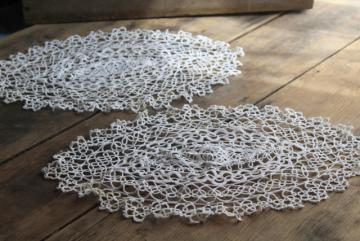 vintage lace tatting, pair of handmade tatted cotton thread doilies or tray cloths