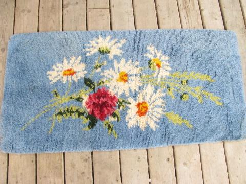 vintage latch-hook rug w/ floral bouquet, white daisies on sky blue