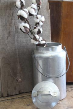 vintage metal milk pail or cream can, one gallon aluminum bucket w/ lid, wire handle