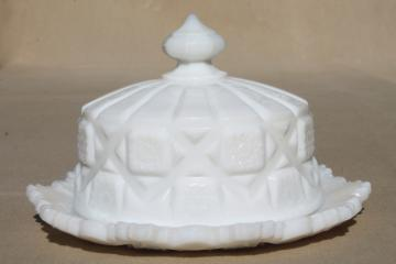 vintage milk glass Westmoreland old quilt round cheese or covered butter dish