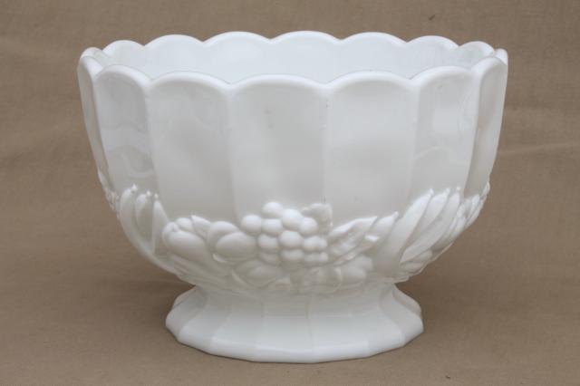 Vintage Milk Gl Centerpiece Large Fruit Bowl Della Robbia Banana Fruits Pattern