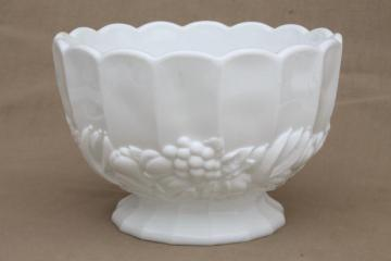 vintage milk glass centerpiece, large fruit bowl Della Robbia banana fruits pattern