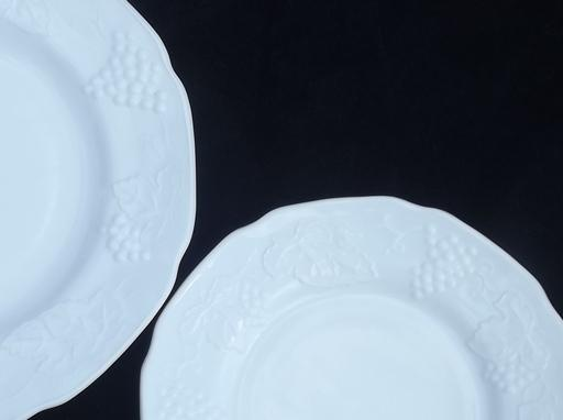 vintage milk glass dishes set for 4, Indiana harvest grapes milk glass
