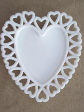 vintage milk glass tray or plate w/ hearts border, Westmoreland heart pattern