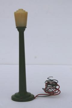 vintage miniature electric street light cast metal toy, Lionel model train accessory