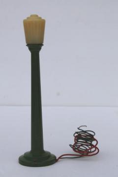 vintage miniature electric street light cast metal toy, Lionel model train accessory