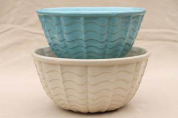 vintage mixing bowls, blue & white wave pattern bowl nest, Robinson Ransbottom pottery