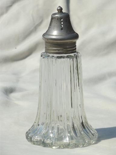 Sugar shaker vintage