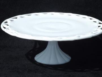White Porcelain Cake Plate Stand With Pretty Lace Pattern