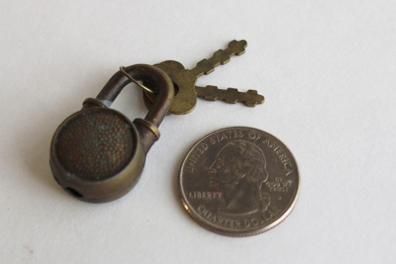 vintage padlock marked Hong Kong, tiny metal lock w/ keys for diary or jewelry box
