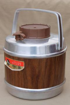 vintage picnic jug Poloron insulated cooler, retro wood grain one gallon thermos