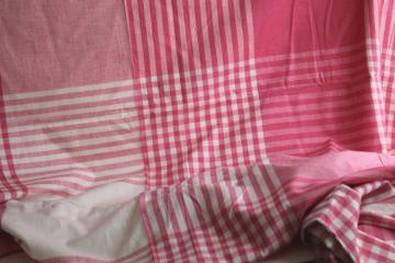 vintage pink & white woven plaid cotton fabric for retro kitchen linens or tablecloth