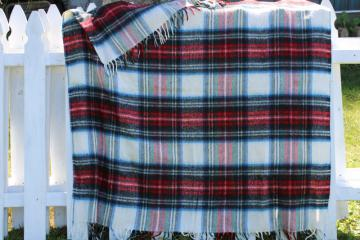 vintage plaid throw w/ fringe, cozy soft acrylic tailgating / camp blanket