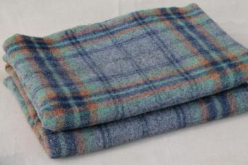 vintage plaid wool camp blanket, rustic primitive bunk or bed blanket for cabin or lodge
