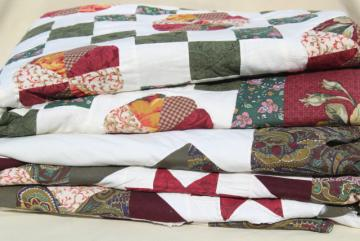 vintage quilt bedspreads, patchwork star & ring patterns, green, rust red roses