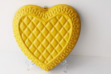 vintage quilted heart shape cake baking pan or jello mold, mod yellow enamel metal