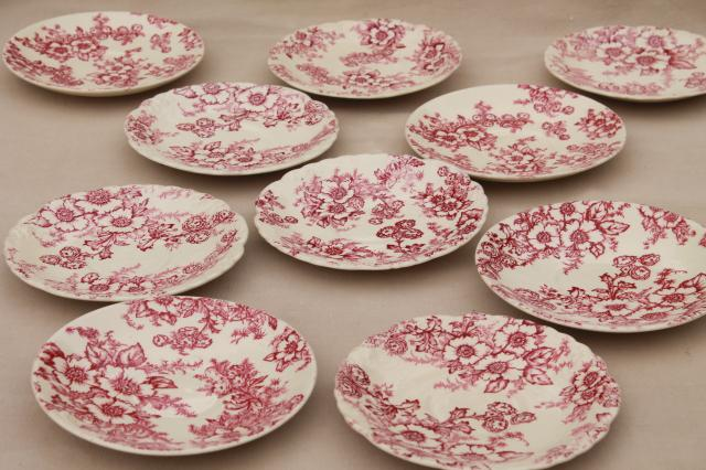 vintage raspberry red chintz floral Taylor Smith Taylor china saucer plates toile style print & vintage raspberry red chintz floral Taylor Smith Taylor china saucer ...