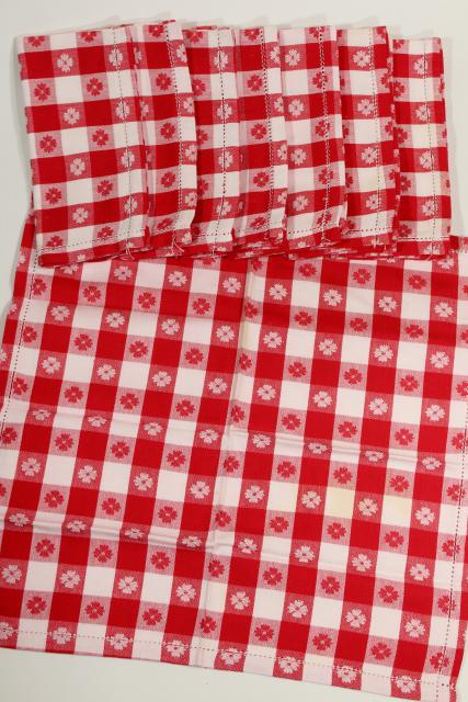 vintage red & white checked cotton tablecloths & napkins, picnic or bistro style for country kitchen