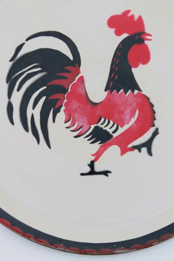 vintage round metal serving tray w/ painted rooster, 40s 50s social supper tray