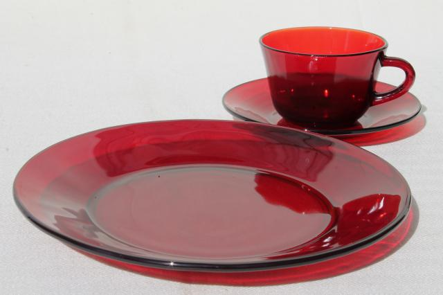 vintage ruby red glass dishes dinnerware set for 6 dinner plates cups \u0026 saucers & ruby red glass dishes dinnerware set for 6 dinner plates cups ...