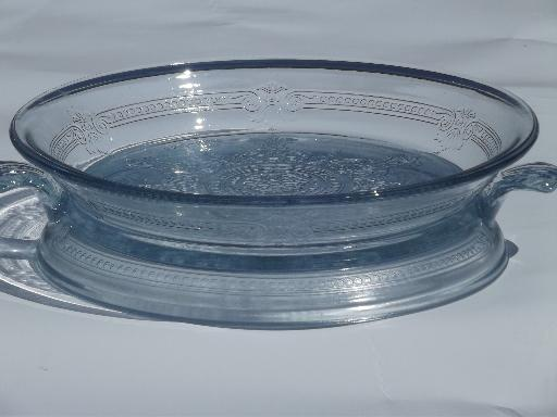 Popular vintage sapphire blue Fire-King Philbe glass pie plate and trivet  BH97