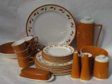 vintage set for six autumn acorn pattern china, fall colors