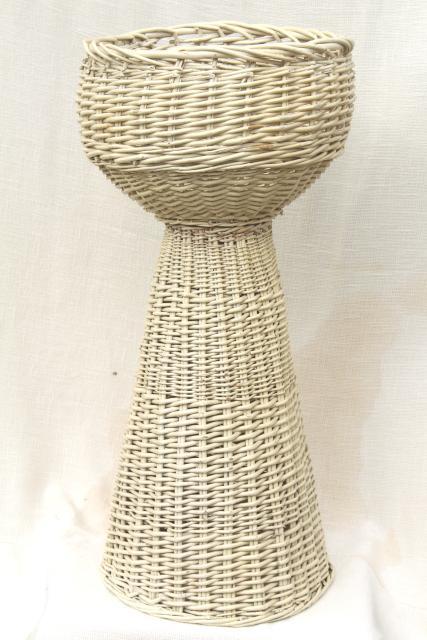 Vintage Shabby White Wicker Fern Stand Jardiniere W