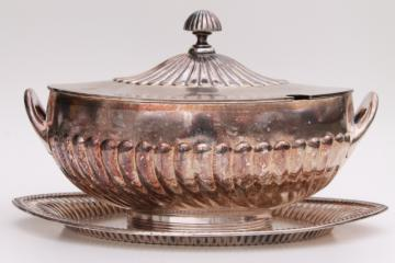 vintage silverplate soup tureen & platter serving tray, antique Wilcox mark International Silver