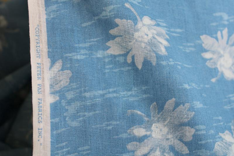 vintage summer weight cotton fabric, Peter Pan print white daisies on shades of blue