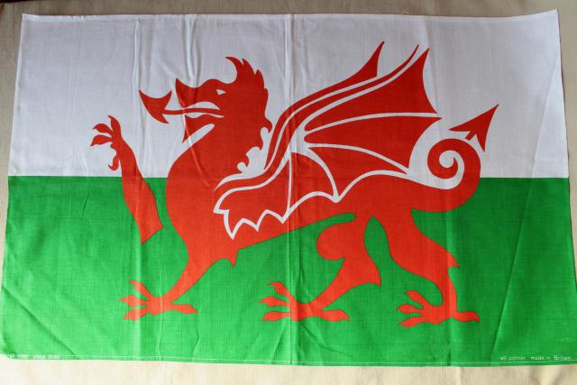 vintage tea towel, souvenir of Wales - Welsh flag red dragon print cotton fabric