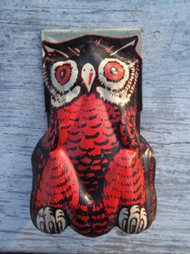 vintage tin litho Halloween clicker toy w/ orange & black wise old owl