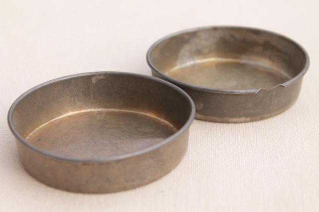 Vintage Toy Kitchen Metal Baking Tins Muffin Baking Pans