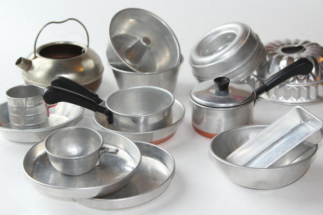 Vintage Toy Kitchen Metal Pots Pans Baking Set Doll Dishes Play Cookware