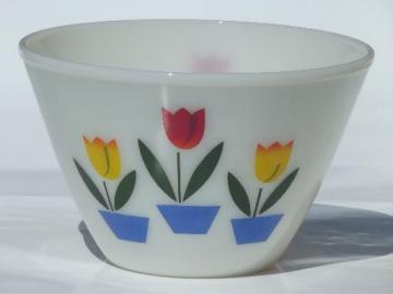vintage tulip Fire-King ivory glass mixing bowl, medium splash proof bowl