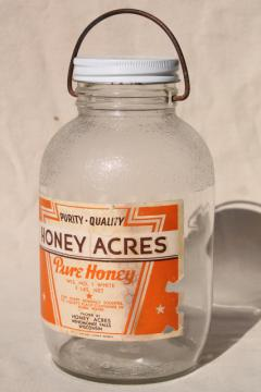 vintage two quart glass jar w/ wire bail handle, old Honey label dated 1942