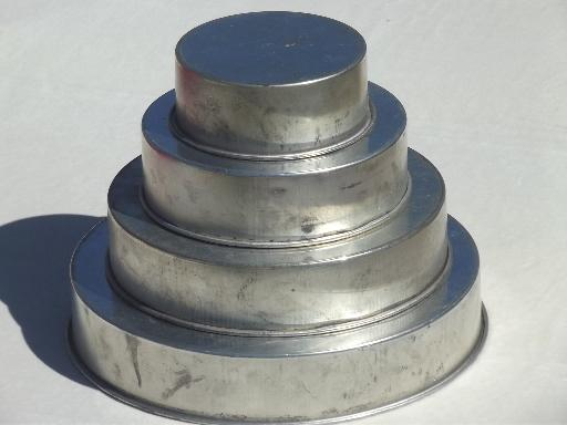 vintage wedding cake pans in original box, round tier tiered pans set