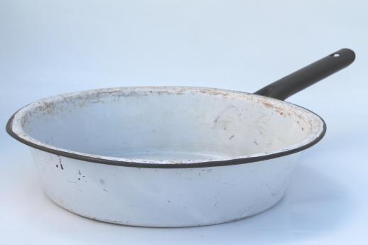 vintage white black enamelware enamel pots pans stockpot kitchenware lot. Black Bedroom Furniture Sets. Home Design Ideas