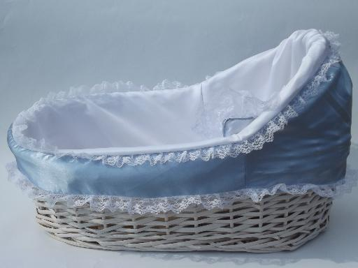 Vintage Wicker Moses Basket Baby Doll Bed White Bassinet