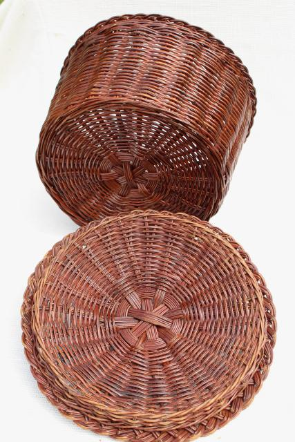 vintage wicker sewing basket, primitive old round bucket shape hamper w/ lid