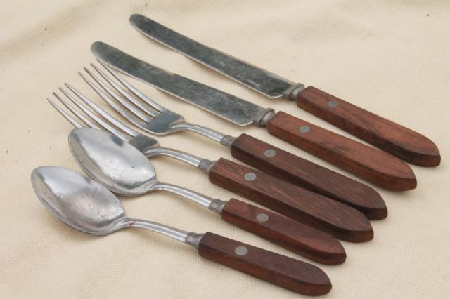 vintage wood handled flatware, picnic basket silverware spoons, forks, knives
