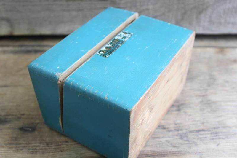 vintage wood recipe box w/ old blue paint, full of hand written recipes 40s 50s 60s