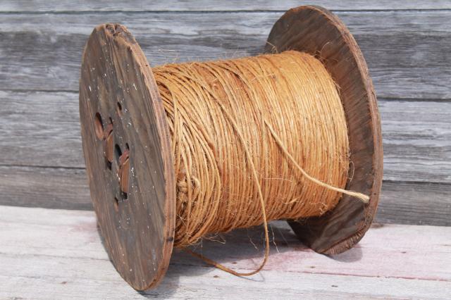 Vintage Wood Spool Of Rope Rustic Farm Primitive Natural Sisal Hay Bale Twine