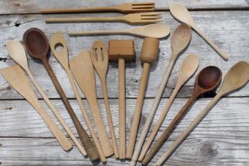 vintage wooden spoons & wood kitchen utensils, old kitchen woodenware lot
