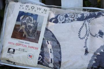 vintage woven cotton tapestry blanket USA made blue & white Chinese fans pattern