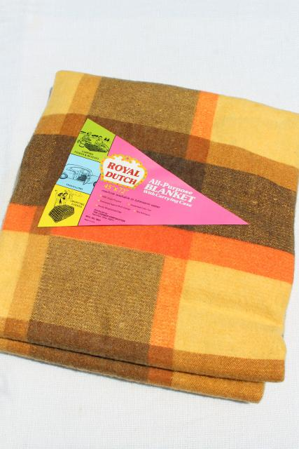 vintage yellow gold plaid stadium blanket, 60s back to school college style!