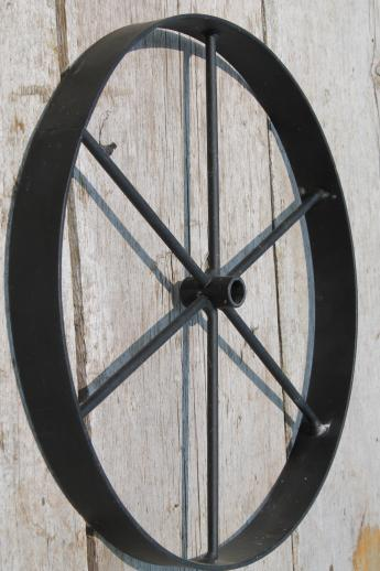 Western Style Wagon Wheel Set Metal Wall Art Or Primitive