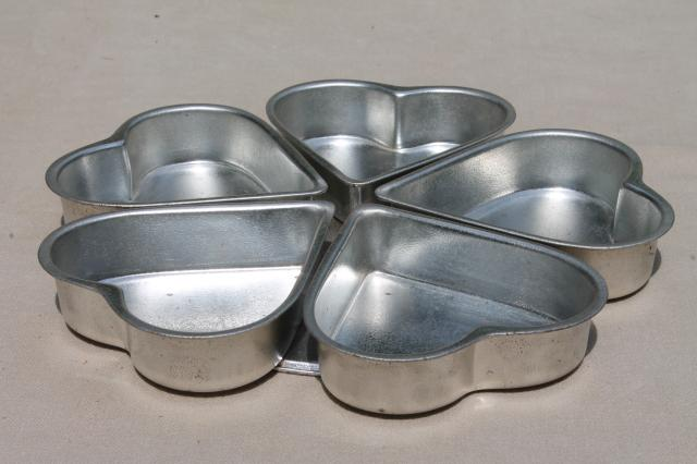Wheel Of Hearts Baking Pan Small Heart Shaped Tin Molds