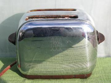 working vintage 1940 Toastmaster art deco chrome / bakelite toaster
