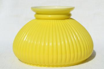 yellow / white milk glass student lamp shade, 60s 70s vintage lampshade, ribbed glass